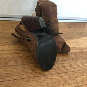 Used, like-new brown fringe boots